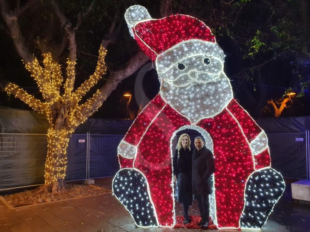 Messina, Piazza Cairoli diventa uno stupendo villaggio natalizio. Le foto