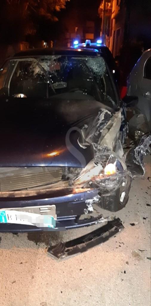 Barcellona PG, schianto su auto in sosta nella notte in via Cairoli: due i feriti