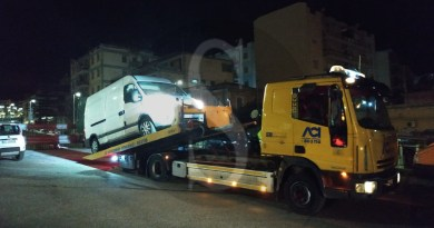 Messina, movida, abusivismo e sosta selvaggia: blitz notturno della Polizia Municipale