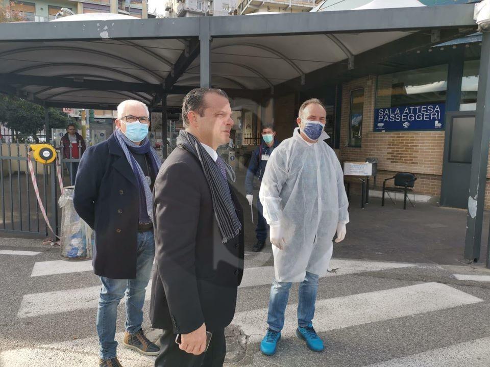 Messina, controlli sanitari inesistenti al porto di Tremestieri: blitz del sindaco De Luca
