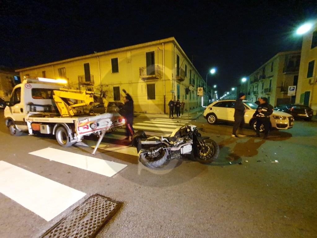 Messina, schianto nella notte in viale Europa tra moto e SUV: 2 feriti
