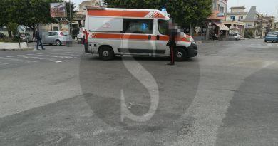 Barcellona PG, investe donna sulle strisce pedonali: fugge ma poi torna con un'altra auto