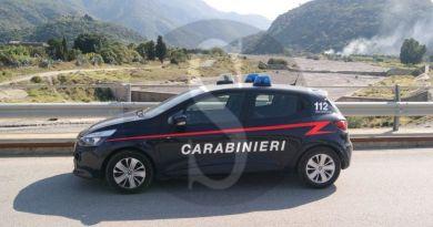 Barcellona PG, ruba sabbia e ghiaia dal greto del torrente San Giacomo: arrestato 26enne
