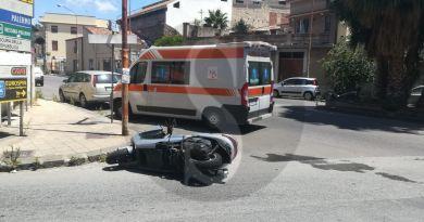 Barcellona PG, auto travolge centauro e fugge: le Forze dell'Ordine sulle tracce del conducente