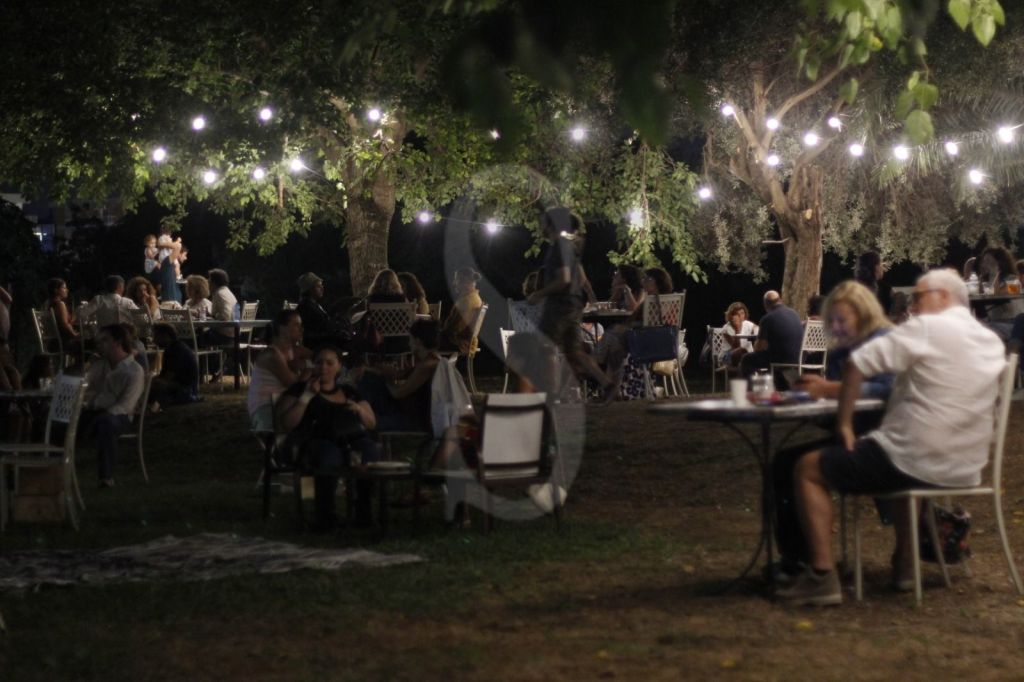 "Palermo, stasera a Villa Tasca beat music e hit funk Anni '70 per i ""Venerdì al Parco"""