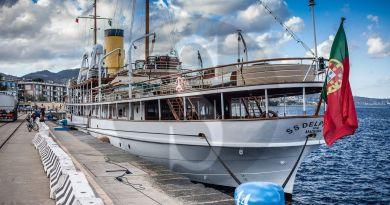 Lusso e comfort per élite, il mega yacht SS Delphine fa sosta nel Porto di Messina