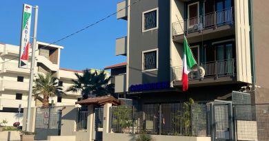 A Barcellona PG bandiera a mezz'asta alla compagnia carabinieri in segno di lutto per le vittime dell'attacco in Congo