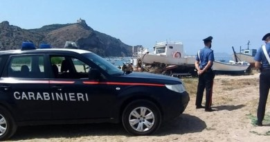 Da Ganzirri alla spiaggia di Oliveri su un gommone rubato, 49enne barcellonese arrestato