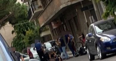 Barcellona PG, impatto fra auto e moto: centauro finisce in ospedale