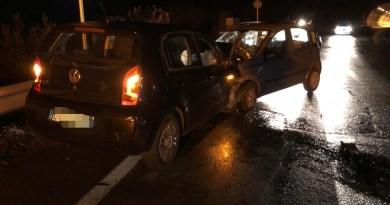 Barcellona PG, scontro frontale tra due auto nella notte: diversi i feriti