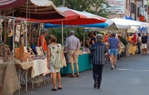 Al via il mercato settimanale di piazzale Ugo La Malfa.