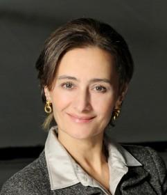 LAURA COMI, Direttrice della Scuola di Danza del Teatro dell'Opera di Roma.  Svolgerà il ruolo di Presidente di Giuria.