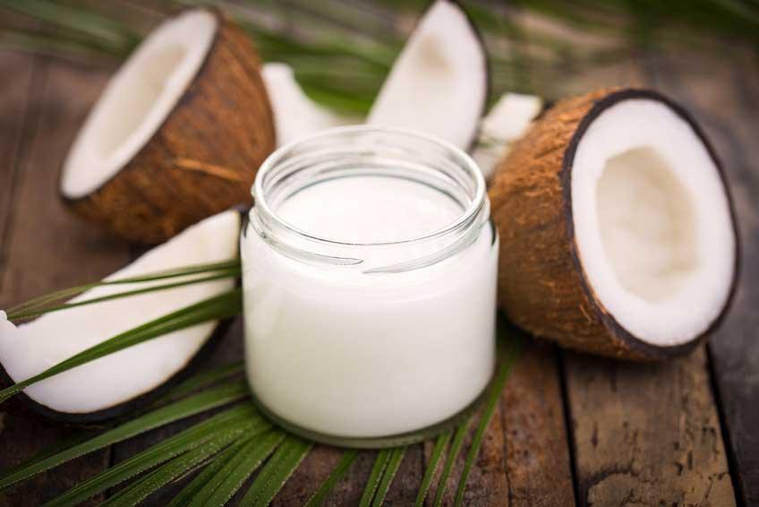 Zahnpasta aus Kokosöl