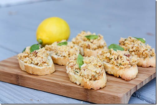 crostini with chickpeas and artichokes