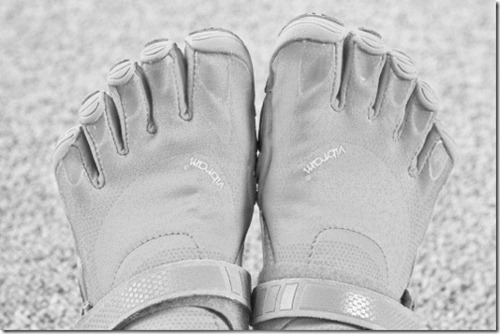 vibrams running shoes