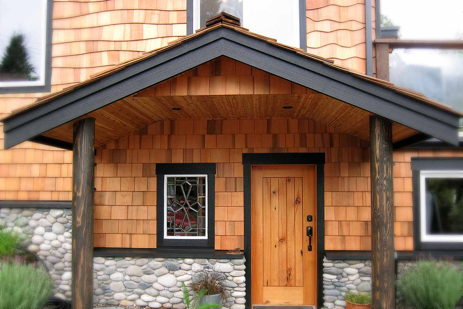 Cedar Shake Siding Cost Plus Pros Cons 2020 Siding Cost Guide Exploring House Siding Options