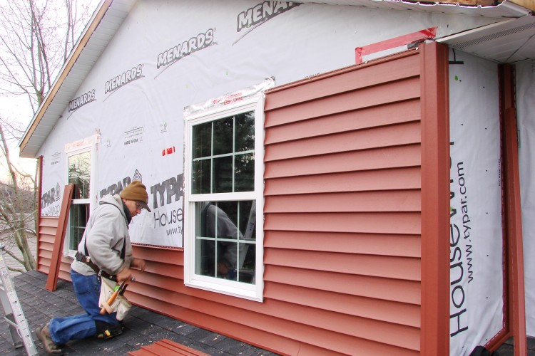 Top 22 Questions To Ask A Siding Contractor Before You