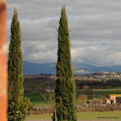 Image of the Val di Chiana as seen from the front door of Siena house