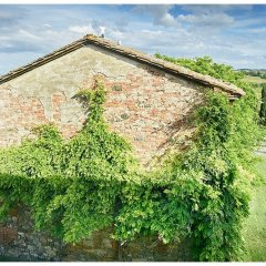 Image showing the side of a tuscan farm builidng at the siena house complex of buildings
