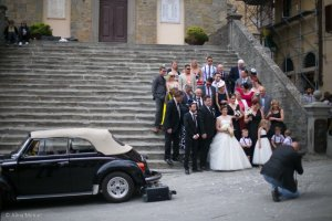 cortona the wedding party on the ice cream steps
