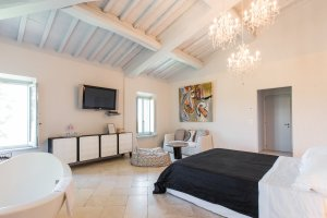 2015-08-28-siena-house-rooms-78