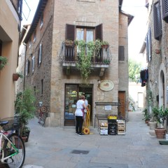 Tuscany's best shopping streets: Corso Il Rosselino, Pienza