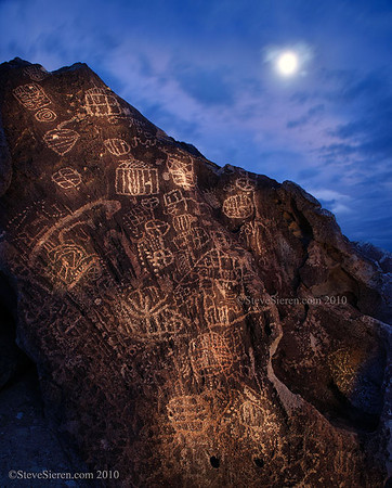Petroglyphs Owens Valley