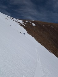 Descending S couloir on Dunderberg 4/11