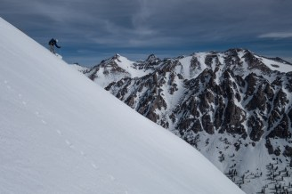 Skiing East Vidette Peak in late April