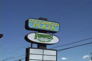 cottonwood plaza perrys sign
