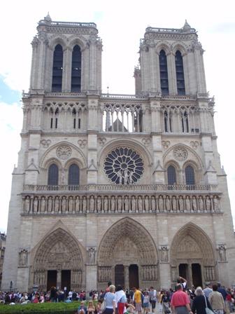 Notre-Dame spredu