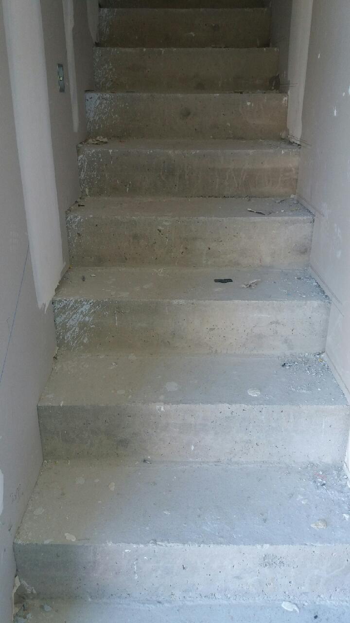 Carrelage Sur Marche D Escalier pose de carrelage sur escaliers   maçon, carreleur, façadier
