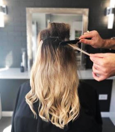 How to Create a Voluminous Ponytail Hairstyle in 12 easy steps. #ponytail #hairstyle