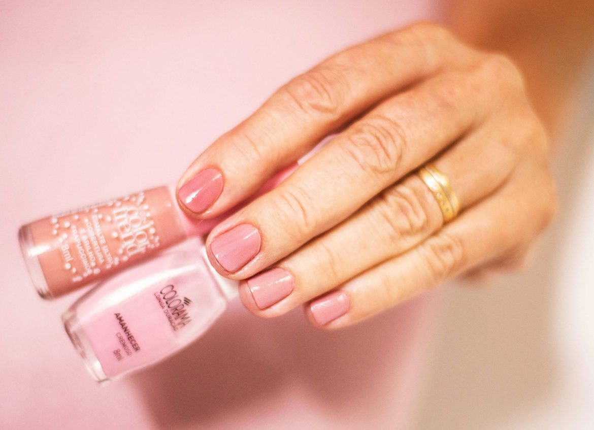 ombre Manicure for Valentine's Day
