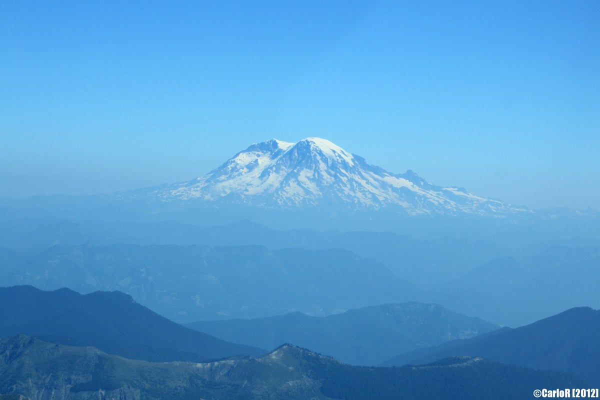 Flying over Mt. Rainier and Mt. St.Helens