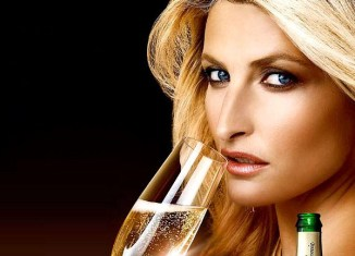 Positivní motivace pro Sigmu - Tereza Maxová v reklamě na Bohemia sekt