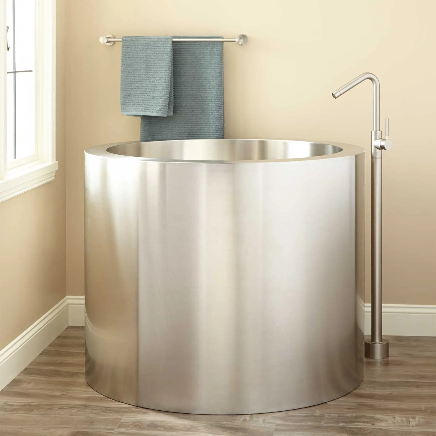 What Is A Soaking Tub