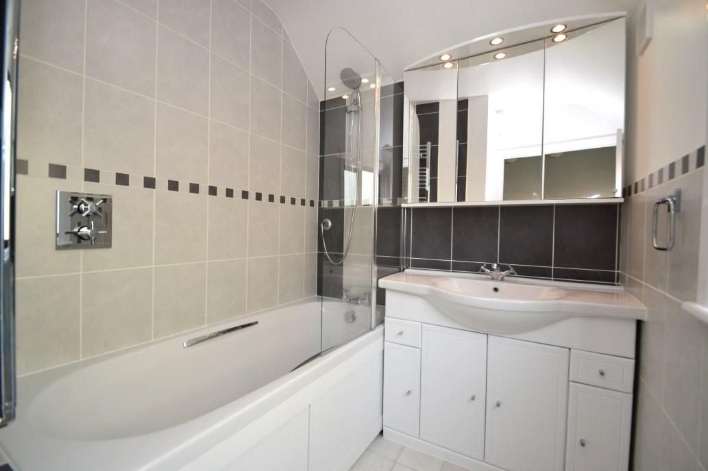 Bathroom Makeover - The Grove 4
