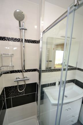 Shower Room Makeover - Eden Road 3