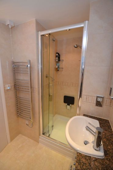 Bathroom Makever with Electric Megaflo - Austin Close 4