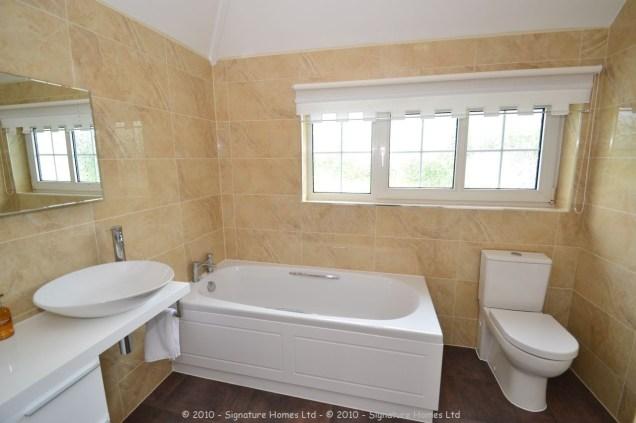 Beautiful Minimalistic Fitted Bathroom - Marlpit Lane 4
