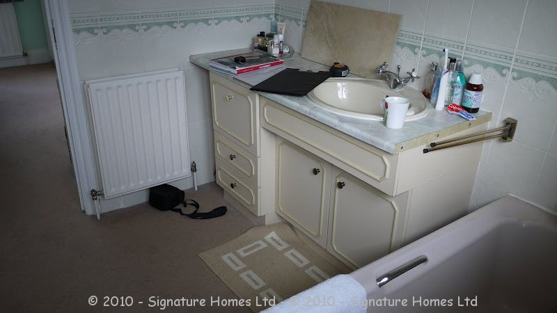 Beautiful Minimalistic Fitted Bathroom - Marlpit Lane BEFORE 1