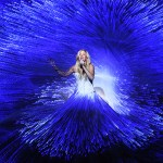 Ellie Goulding's two-song set