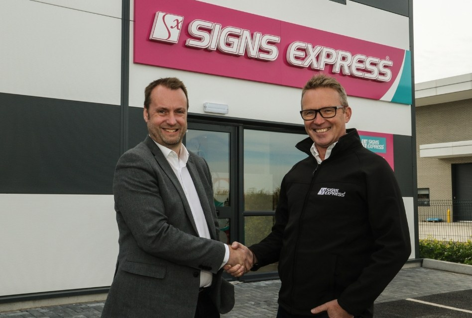 Signs Express opens a new centre in Salisbury