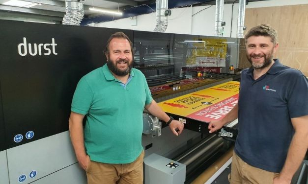 Digipress makes money while sleeping with a Durst P5 350