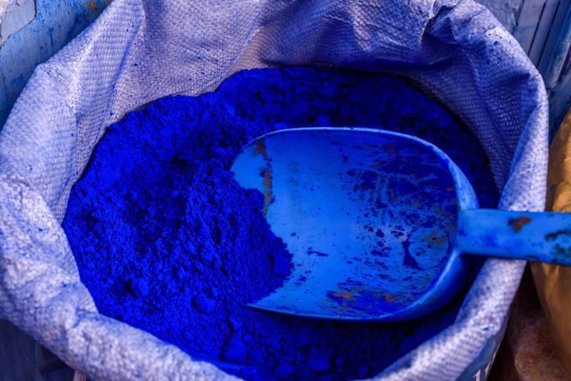 ejemplo de color añil en polvo