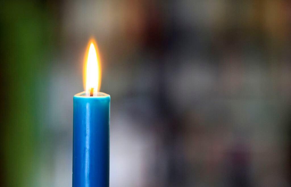 simpatia com vela azul