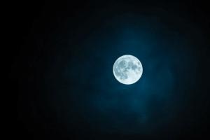 Veja Como As Diferentes Fases Da Lua Afetam Nossos Cabelos: