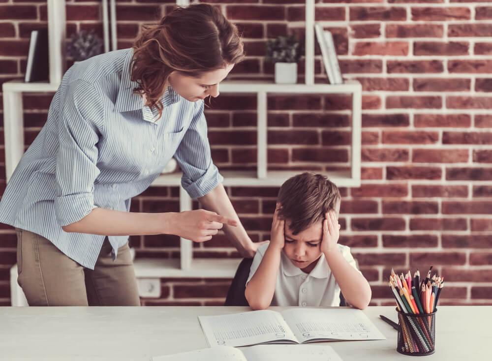 7 Atitudes Que Fazem Os Pais Destruírem a Autoestima Dos Filhos – Todos Os Pais Deveriam Ler Isso