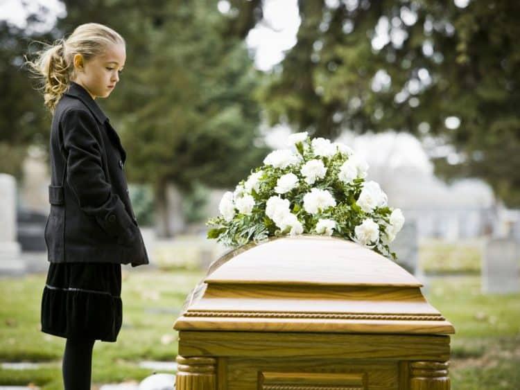 ▷ Sonhar Com Mãe Falecida【Tudo o que você precisa saber】